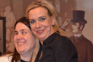Actrice Britt Van Der Borght samen met Monique op de foto