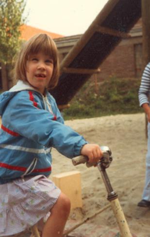 Op kleuterfiets 1982