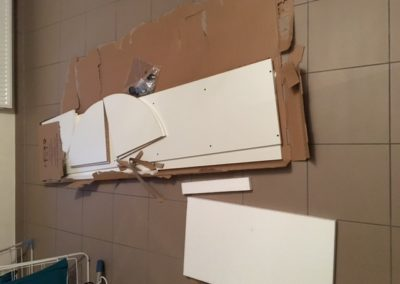 uitpakken van het badkamerkastje